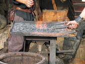 传统的铁匠的工作 — 图库照片