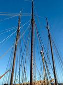 Plachtění stožáry dřevěných tallships — Stock fotografie