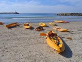 Sea kayaks ready to go — Stock Photo