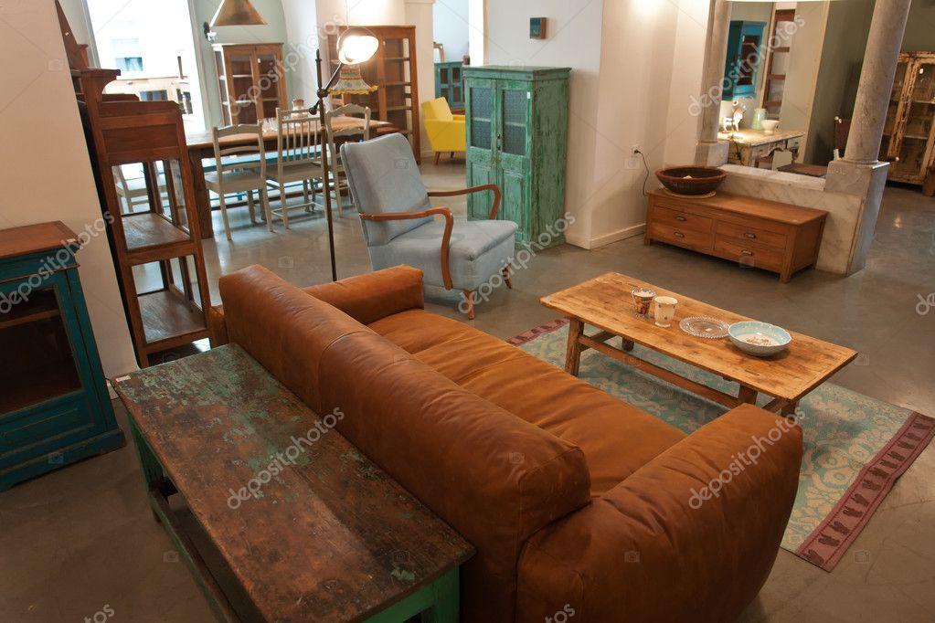 Vardagsrum Retro : Eleganta lantliga stil vardagsrum ? stockfotografi � ronyzmbow
