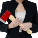 primer plano de una empresaria portando un hacha — Foto de Stock