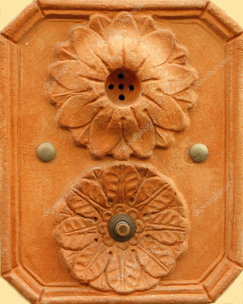 Retro artistic doorbell made in terracotta from Tuscany, Impruneta, Italy, Europe — Stock Photo #8310272