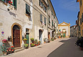 Street in italian old village Montescudaio — Stock Photo