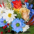 Bouquet with daisies and roses - Foto Stock