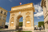 Triumphal arch and main promenade in Montpellier, France — Stock Photo