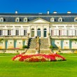 Chateau Ducru-Beaucaillou palace and winery in Beychevelle, region Medoc, F — Stock Photo