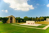 Chapel and altar on the British war cemetery in Bayeux, Normandy — Stock Photo