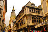 Medieval street with timber-framed houses, Dinan, France — Stock Photo