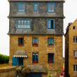 Original Breton architectural style tenement house in Saint-Malo, Brittany, France — Stock Photo