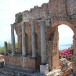 Antique amphitheater Teatro Greco, Taormina — Stock Photo #8979190