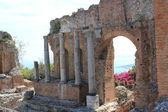 Antigo anfiteatro teatro greco, taormina — Fotografia Stock