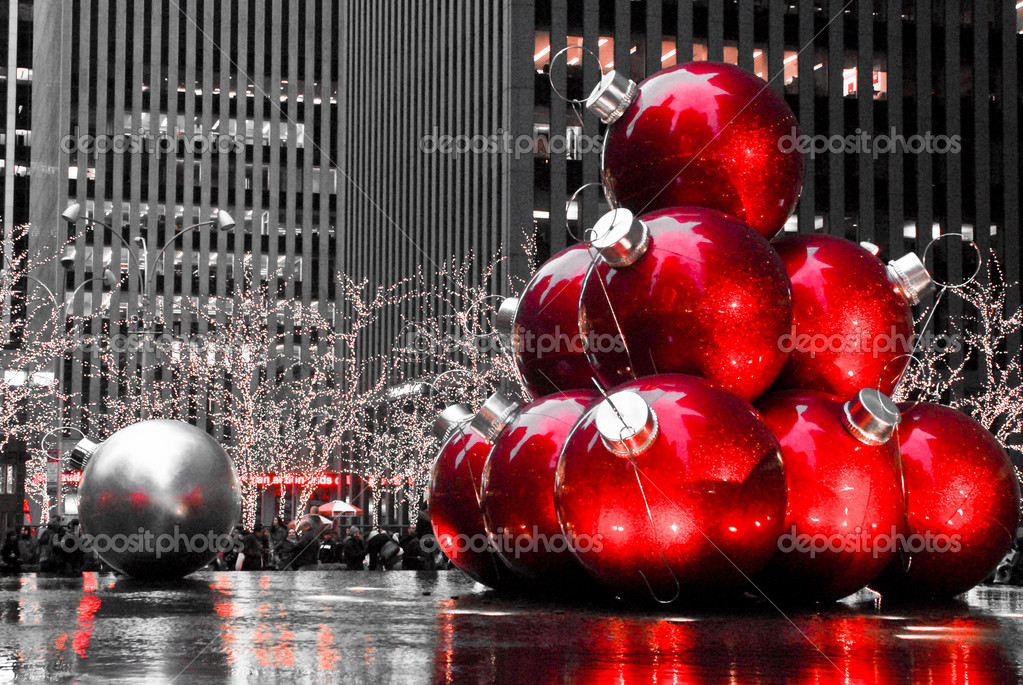 Christmas balls are displayed outside in Manhattan, NYC.  — Stock Photo #8295095