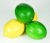 Citroner och limefrukter — Stockfoto