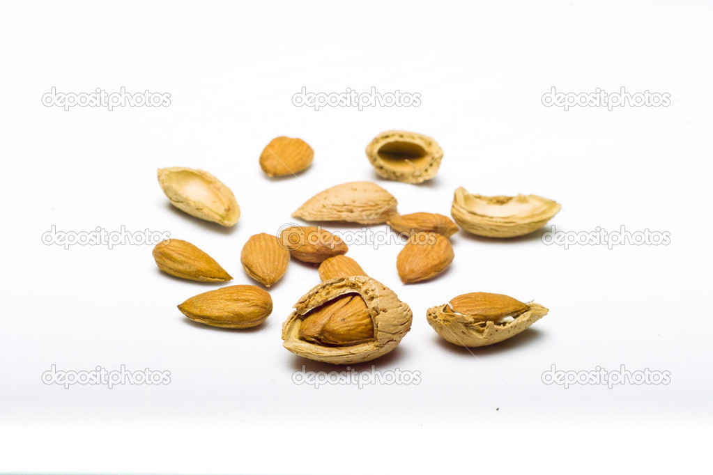 Almonds shell and kernel — Stock Photo #8421223