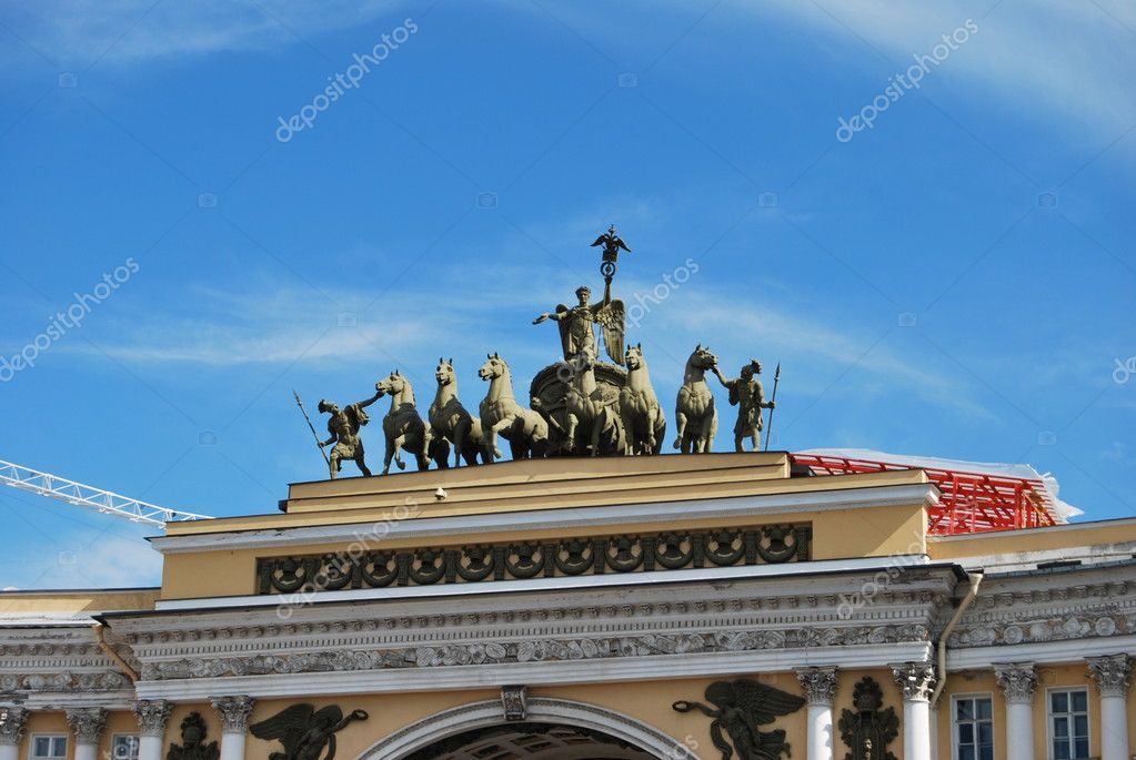The sculpture of horses on the triumphal arch of St. Petersburg  — Stock Photo #9148400