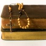 Rosary beads and breviary — Stock Photo
