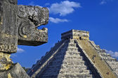 Main pyramid at chichen itza — Stock Photo