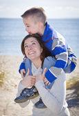 Mor och son — Stockfoto