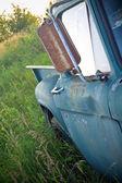 Abandoned truck — Stock Photo