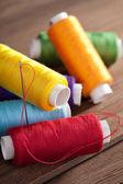 Bobinas coloridas de thread — Foto Stock