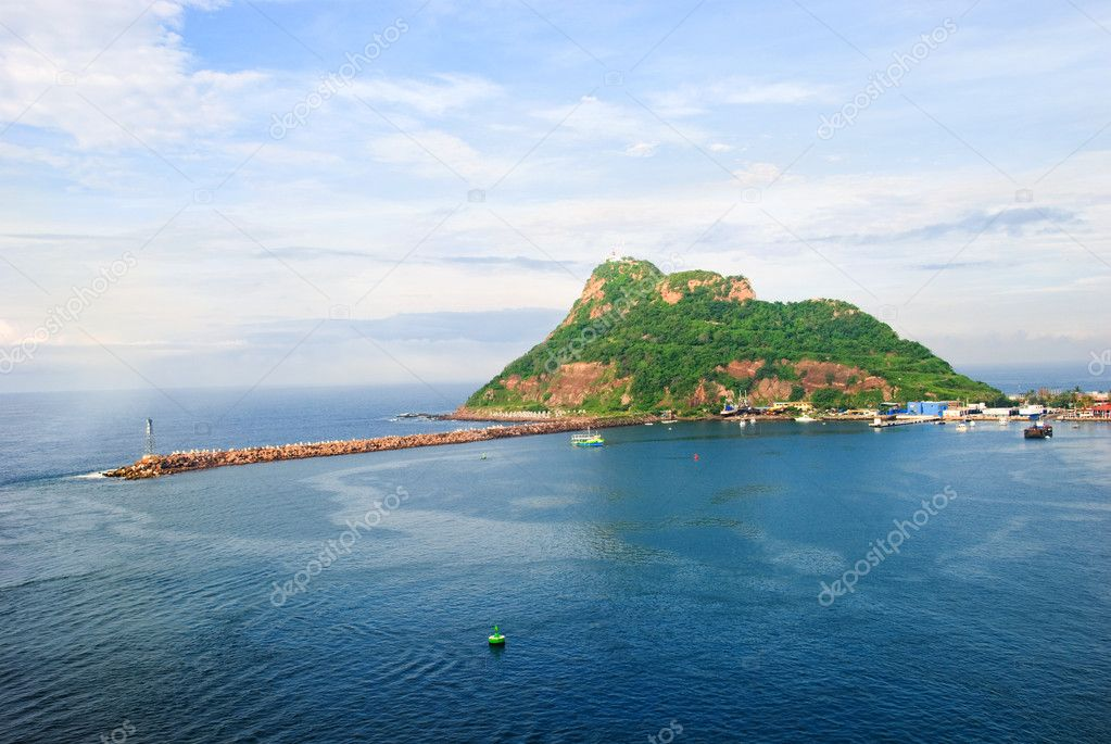 Green island near Mazatlan, Mexico — Stock Photo #8595034
