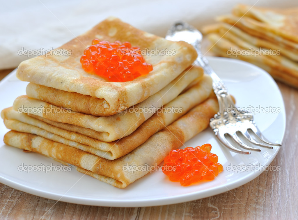 Pancakes with red caviar — Stock Photo #9158109