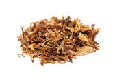 Pile of spilled tobacco (isolated) — Stock Photo