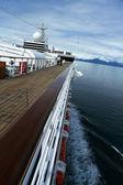 Cruise ship and mountains — Stock Photo