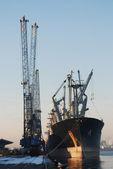 Laddar en seaship — Stockfoto