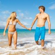 Young Couple on Tropical Beach — Stock Photo #10045477