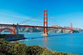 The Golden Gate Bridge in San Francisco with beautiful blue ocea — Stock Photo