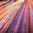 circulation autoroutière nuit, flou de mouvement — Photo