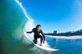 Surfer On Blue Ocean Wave — 图库照片