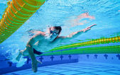 Swimmer in the Pool Underwater — 图库照片
