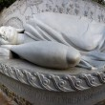 Huge buddhist statue — Stock Photo