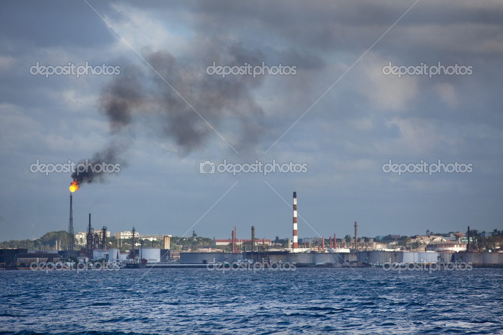 Oil Industry in Cuba Havana — Stock Photo #8584010