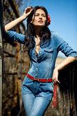 连衫裤的女孩 — 图库照片
