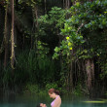 Couple in paradise — Stock Photo