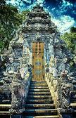 Ingången till goa lawah temple — Stockfoto
