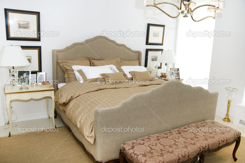 Bedroom bed with bedside tables — Stok fotoğraf #10066592
