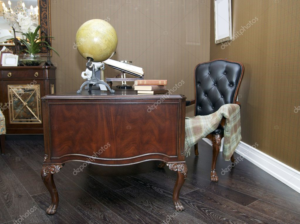 Office with a desk and chair, American-styl — Stock Photo #10484149