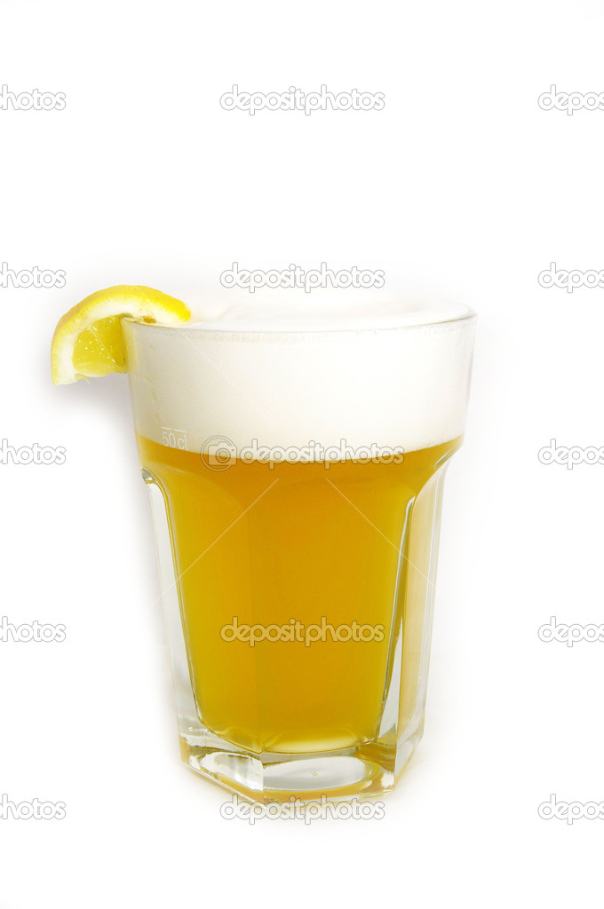 A large glass of unfiltered beer on white background — Stock Photo #9102896