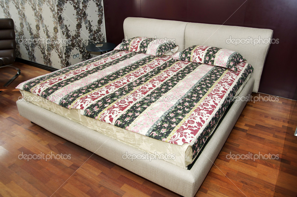 King size bed in Bedroom Living Room — 图库照片 #9922459