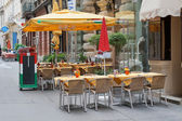 A typical street cafe in Vienna. Austria — Stock Photo