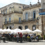 Outdoor restaurant in Cuba — Stock Photo #9821322
