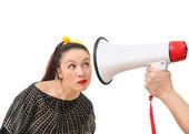 Intrygująca kobieta i megafon — Zdjęcie stockowe