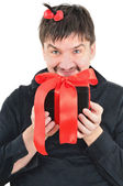 Funny man with gift in hands — Stockfoto