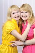 Two attractive blond sisters — Stock Photo