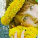 Pretty girl in diadem — Stock Photo