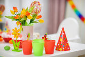 Closeup on table decorated for children's party — 图库照片